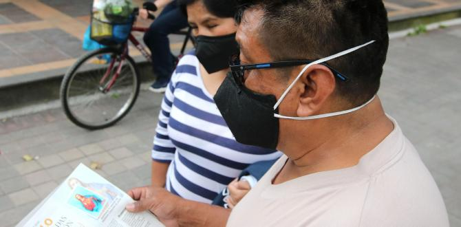 Fieles con estampita de Extra en Quito