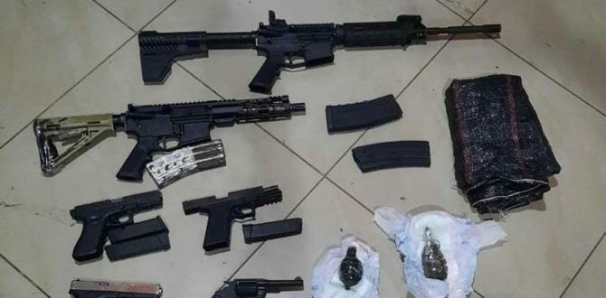 Estas son las armas, municiones y  explosivos encontrados en un saco de yute.