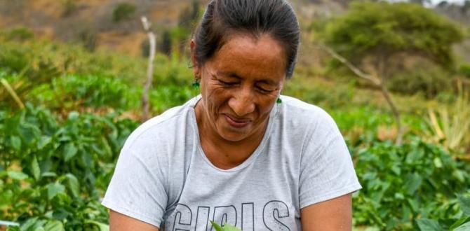 thumbnail_en Colonche donde el agua ya llega, los comuneros cosechan pimientos