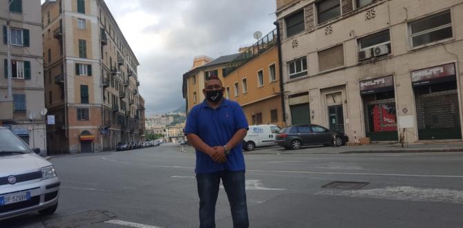 Gustavo Chimbolema reside en Génova Italia.