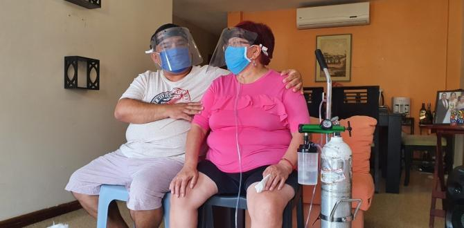 Mariana Soria vive conectada horas a un tanque de oxígeno.