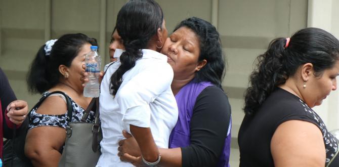 La madre de la fallecida María Elizabeth Bodero viajó a Guayaquil para estar pendiente de la audiencia de sentencia.
