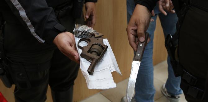 El arma de fuego que se encontró a los detenidos, según la Policía.