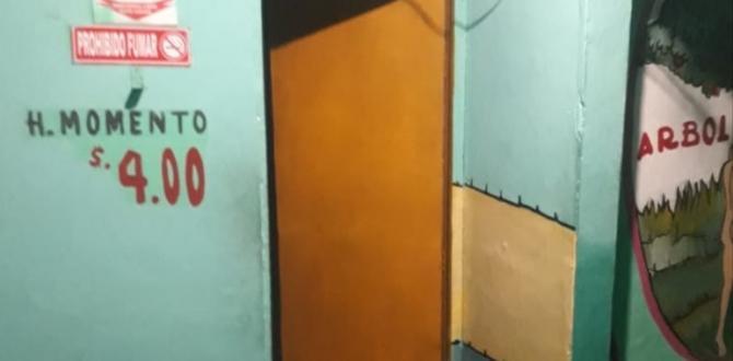 En esta pared indican que cobraban cuatro dólares el momento.