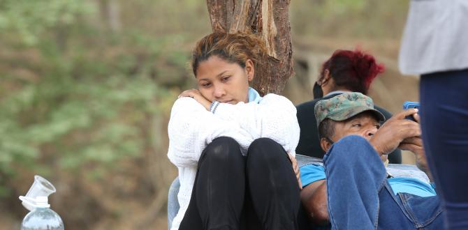 El rostro de Ana Cuzme denota el dolor por la muerte de su hija.