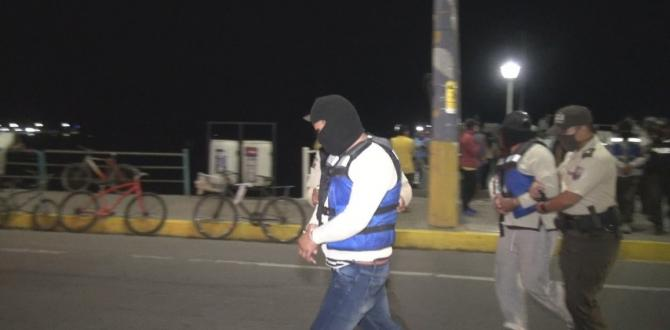 thumbnail_los detenidos a su arribo a Salinas