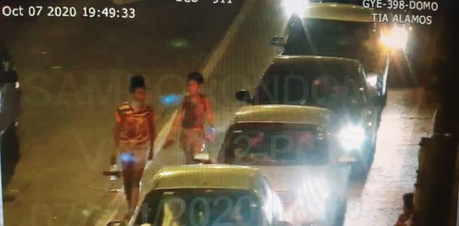 Los menores de edad también fueron captados limpiando parabrisas de los carros.