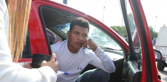 Danny Reyes viajó desde Esmeraldas para retirar el cuerpo de su hermano.