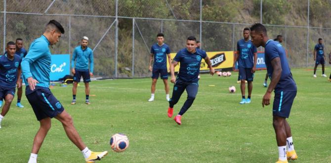 Pervis-Estupiñán-futbolista-Ecuador