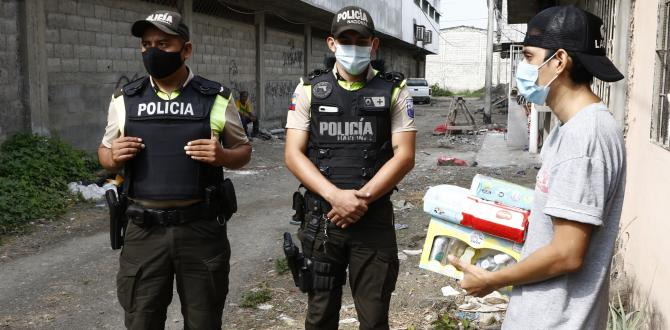 POLICIAS QUE AYUDARON (32873386)