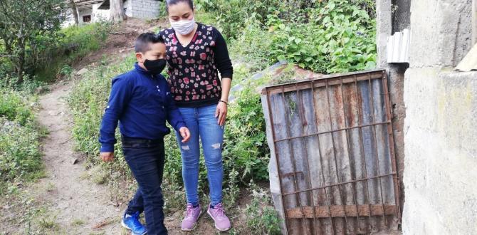 Diana Juca vende frutas en Paute para mantener a sus dos hijos.