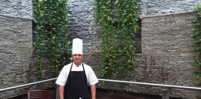 Douglas Chuya es chef del Salinas Yatch Club.