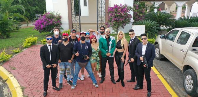 Soraya Guerrro junto a Santiago Castro y el equipo de Calientitos