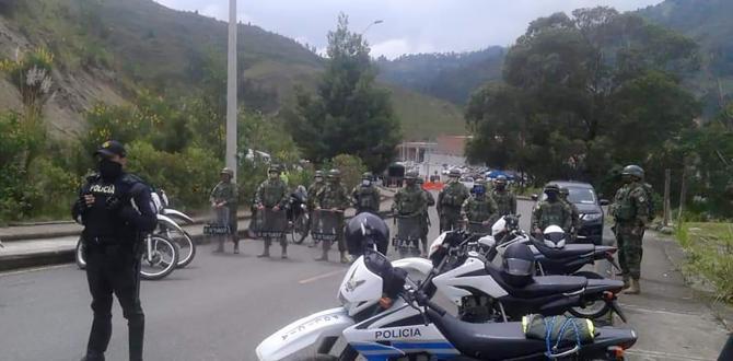 El resguardo se reforzó en los alrededores de la cárcel en Cuenca.