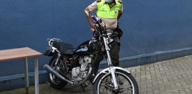 En esta motocicleta pretendía huir el sospechoso.