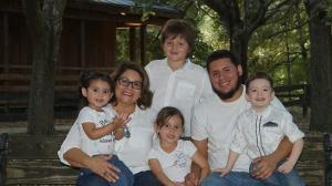 Frank Ordóñez y familia