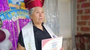 adulto mayor graduada
