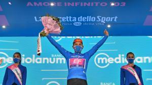 Jonathan-Caicedo-GirodeItalia-maglia-azzurra