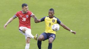 ECUADOR VS CHILE...HEN (6984611)