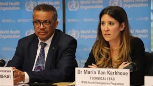 """Los altos cargos de la OMS declararon que es """"raro"""" que los pacientes sin síntomas de coronavirus puedan contagiar a individuos secundarios."""