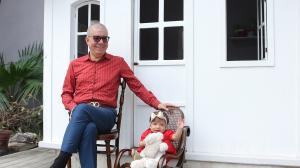 Vito en compañía de su hija, Vitoria.
