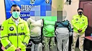 La detención ocurrió la noche del sábado en los cantones de La Libertad y Salinas.