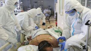 El hombre fue ingresado al hospital por presentar problemas respiratorios.