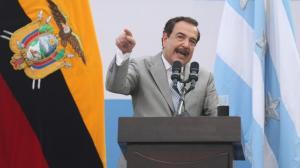 Nebot da un paso atrás a la candidatura por la presidencia del Ecuador.