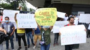 Empleados de gimnasios protestan