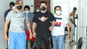 La mañana de ayer los cinco sospechosos fueron llevados a una cárcel de Guayaquil.