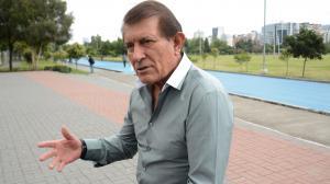 Carlos-Sevilla-entrenador-Tri-Catar2022