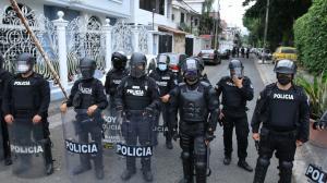 La policía y Fiscalía sacaron ayer de la cama a Abdalá Bucaram Ortiz.