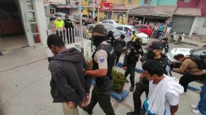 Los sospechosos fueron llevados al UPC de Villa España.