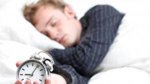 Dormir menos de 4 horas y más de 9 puede provocar trastornos psicológicos, patológicos y biológcos.