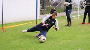 Nadia Molina 5