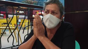 Patricia Bermúdez no puede contener las lágrimas al relatar el dolor que le causa la ausencia de su hija y de su nieto.