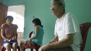 Las dos hermanas, con discapacidad intelectual del 60 y 80 por ciento, habrían sido víctimas de un delito sexual. Su padre narra los duros momentos que vive tras enterarse de la desgracia.