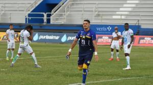 Delfín le ganó el cotejo a Liga de Portoviejo 4-2.