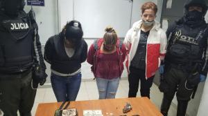 Detenidos - arma de fuego - Quito