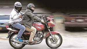 asaltantes moto