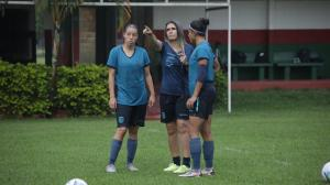 Tri-femenina-entrenamiento-Brasil