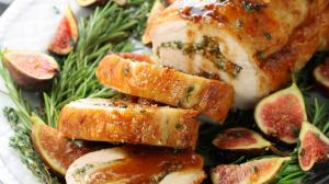 El lomo de cerdo con salsa de higos es una buena opción para esta Navidad.