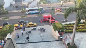La balacera se dio en un centro comercial de Manta.