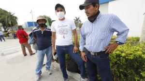 El esposo y los hijos de Olga Moreno acudieron a la morgue para retirar su cuerpo.