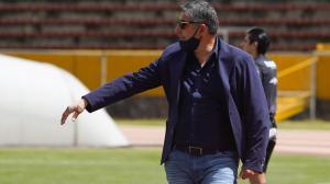 Santiago-Escobar-entrenador-Universidad-Católica-cáncer