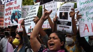 Manifestación en India por violación a una joven de 14 años.