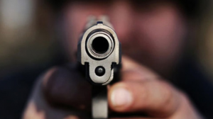 Mataron a un joven mientras tenía relaciones con su amante.