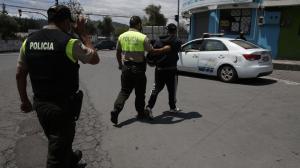 Pillos - Confinamiento - Policía