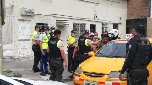 El conductor del taxi fue retenido y llevado a la Fiscalía.
