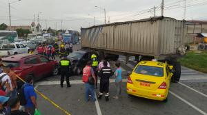 Accidente multiple durán